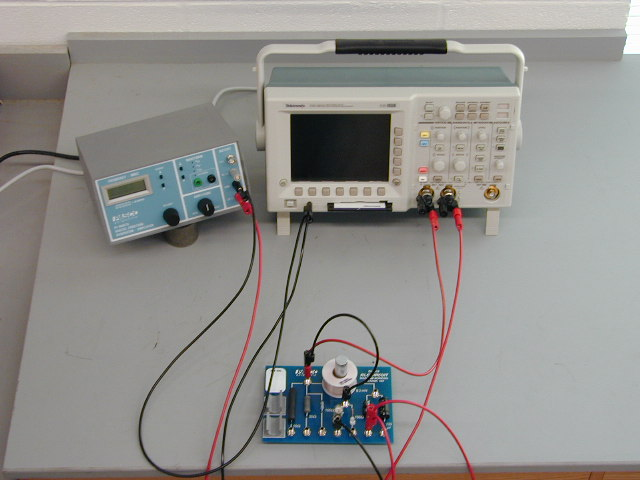 ac circuits oscilloscope Oscilloscopes an oscilloscope is the most versatile piece of test equipment  available for working on electronic equipment and circuits.