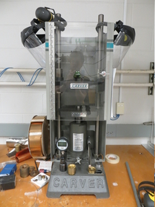 Hamlin Laboratory - Science of materials under extreme